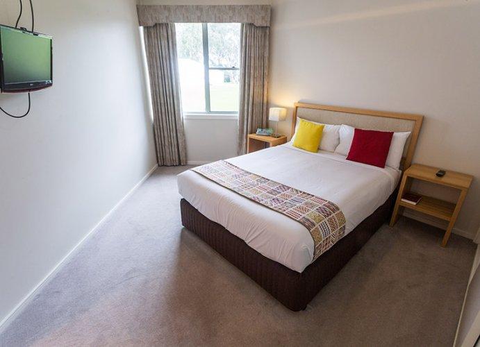 Tindarra-Resort-Room