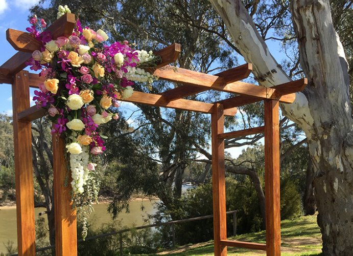 Murray-River-Weddings-at-Tindarra-resort